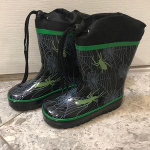 Toddler size 9 (27) rainboots new condition